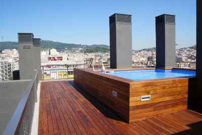 Luxurious block of flats in a new building with swimming pool in a prestigious uptown zone of Barcelona